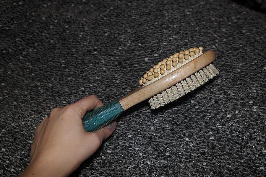 Dry brushing - лимфодренажный массаж сухой щеткой