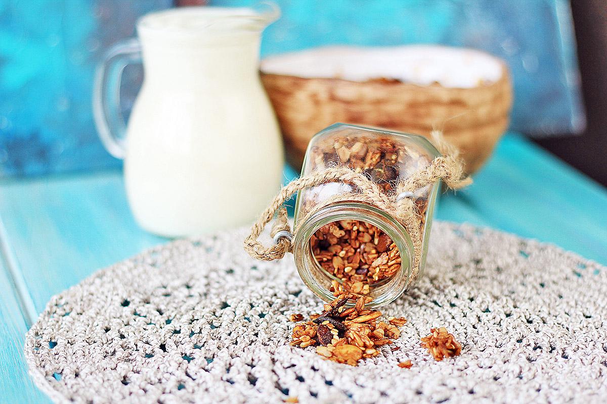 Домашняя гранола с медом, семечками и орехами - рецепт