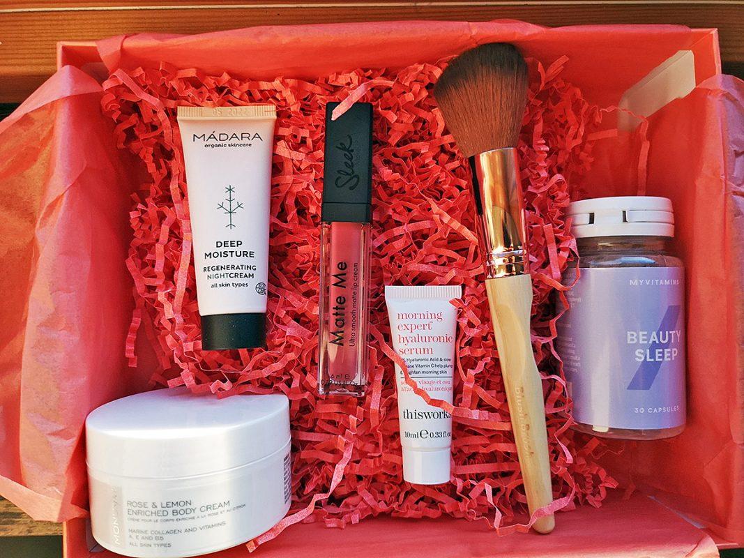 Lookfantastic July Beauty Box Sunkissed Edition 2020  - первые впечатления